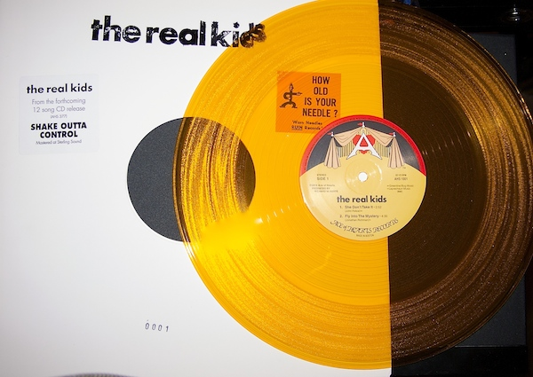 "Real Kids - Shake Outta Control 12"" (Ace of Hearts)"